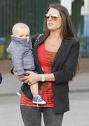 th_99787_Tikipeter_Danielle_Lloyd_arrives_to_pick_up_her_cousin_001_123_145lo.jpg