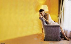 Emma Watson 7 Cute & Beautiful Wallpapers