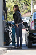 Mandy Moore at a gas station in Los Angeles 11/05/13  (HQ)