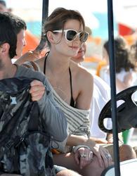 http://img265.imagevenue.com/loc455/th_311852867_Mischa_Barton_Bikini_Candids_on_the_Beach_in_Miami_December_27_2011_118_122_455lo.jpg