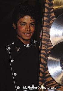 1983 Thriller Certified Platinum Th_947976316_med_gallery_8_2427_10837_122_495lo
