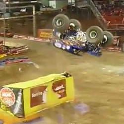 Backflip con Monster Truck