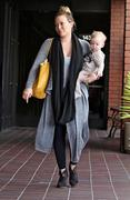 http://img265.imagevenue.com/loc561/th_305032638_Hilary_Duff_out_and_about_in_LA3_122_561lo.jpg