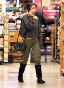 th 86223 Gomezlq3 123 575lo Selena Gomez   grocery shopping in Encino 01/14/12