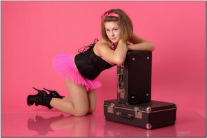 http://img265.imagevenue.com/loc592/th_254914549_tduid300163_sandrinya_model_pinkmini_teenmodeling_tv_050_122_592lo.jpg