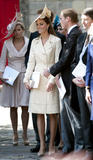 th_50642_celebrity_paradise.com_The_Duchess_of_Cambridge_Zara_wedding_049_122_83lo.jpg